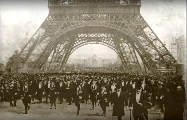 Imagen del siglo XIX, durante la feria mundial, escenario para un complot contra Mildred Homesley.