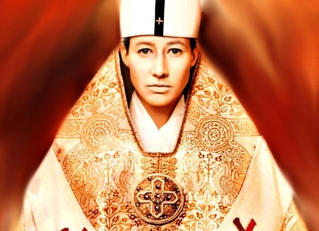 En 2009 se estreno la película la papisa Juana, basada en la historia escrita por Donna Woolfolk