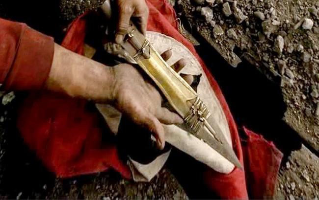 Con la lanza del destino se hirió a Jesus, y dicen que con ella se puede conquistar el mundo