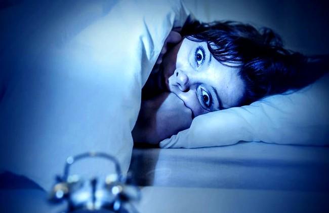 Parálisis del sueño algo espantoso y perturbador
